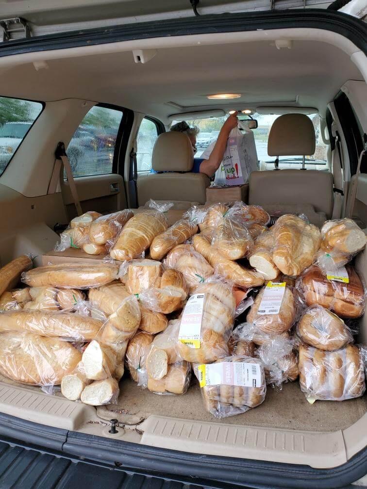 Babylon-Vault-Company-volunteers-food-drive-veterans-bread